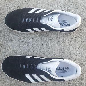 Adidas gazelle size womens 9.5